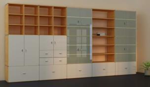 b cherregale mit glast ren vitrine glasvitrine regavitrine. Black Bedroom Furniture Sets. Home Design Ideas